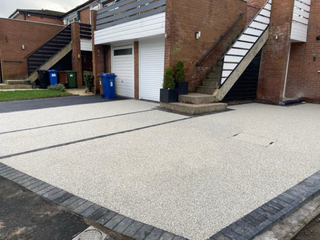 Double Resin and Tarmac Driveway in Stockport