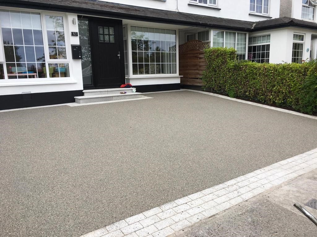 Silver Resin Bound Driveway in Sale